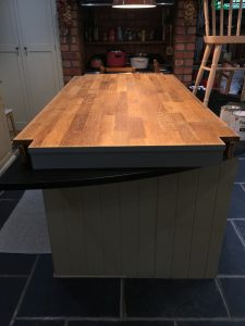 PG Dining Table